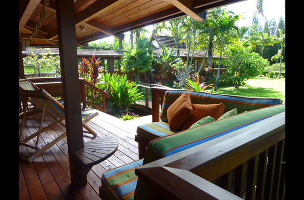 Covered lanai with comfy seating