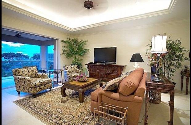 Spacious Living Room with Lanai